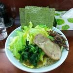 横浜ラーメン 壱鉄家 - 料理写真: