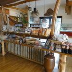 力寿司 - 入口付近のお土産物コーナー