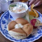 カフェリビング 仏蘭西屋 - モーニングホットケーキセット450円