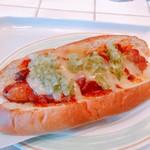 カーキーズ - 料理写真:チリチーズドッグ