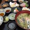 まるさん松本 - 料理写真:小さなテーブルで置ききれないお料理の数々