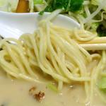 初代 山ちゃん - 「山ちゃん」中細ストレートの麺