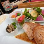 スペインバル リサリサ - リサリサディナー肉プレート1580円