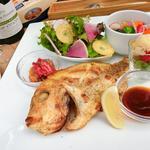スペインバル リサリサ - リサリサディナー魚プレート1480円