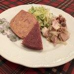 ハンス・ホールベック  - 豪華な前菜です