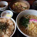 大八 - ホルモン定食(うどん) 1300円 (+100円でにこみ御飯に変更)