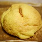 たもつのパン - メープルメロン¥158