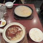 頂上麺 筑紫樓 ふかひれ麺専門店  - 七合目で休む