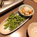 名古屋手羽先 もも焼き 唐揚げ 爽鶏屋 - 枝豆&鶏ポン
