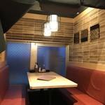 隠れ家個室居酒屋 鶏の久兵衛 - テーブル席