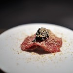 エクアトゥール - 和牛ざぶとん 米のピュレ キャビアとあん肝のスモーク