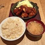 東京トンテキ - トンテキ定食(炊き込みガーリックライス)
