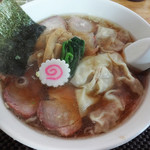 手打中華 もめん - ワンタン焼豚麺。