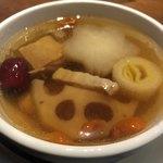 81067201 - 薬膳スープ