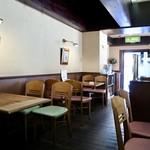 ボンジュール - 昔ながらの喫茶店の雰囲気