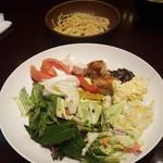 農家の台所 - サラダとパスタ