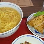 カフェ・ド・カペル - 濃厚鶏ガラ熱々中華麺と、ちまき