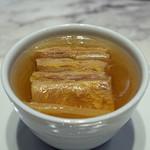 MASA'S KITCHEN - 黄芯白菜と豚肉のミルフィーユ仕立ての上湯スープ