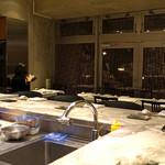 MASA'S KITCHEN - カウンター席とテーブル席
