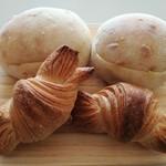 アイヅチ - 料理写真:クロワッサン、バタはち