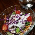 モナ・ペトロ - セットのサラダ