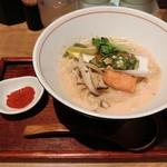 Mentokokorosebun - 明太子白湯ラーメン&辛味増し薬味