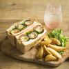 豊島ゲストハウス mamma - 料理写真:スコッチエッグサンドと豊島の果実ソーダ