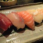 8108271 - ランチの寿司定食・5貫(480円)のお寿司