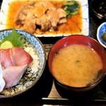 魚菜はざま - 料理写真:鮪煮付け定食 寒ブリ添え  1,300円