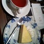 81083239 - ニューヨークチーズケーキ&レモンティー