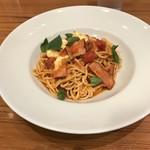 STREET PASTA COMPANY - トマトとモッツァレラチーズとバジルとベーコンのパスタ。 税込990円。 美味し。
