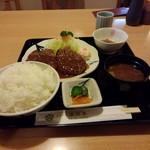 清流亭 - 料理写真:ハンバーグ定食ご飯大盛り