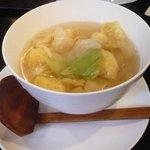 幻霜餃子文菜華 - ぷりぷり海老すり身入りワンタン麺 777円