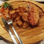 81091356 - 食べる国宝マンガリッツァ豚。野生とのこと