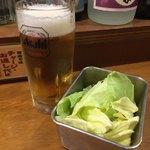 Kushikatsudengana - 生ビール+お通しキャベツ