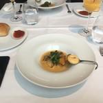 81095968 - 鰆のポアレ ブイヤベースソース ポアロー葱のエチュベとコンカッセトマト 菜の花 アイオリ添え