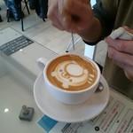 LatteArt-Bar Z.E.R.O - カフェお絵描き中