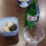 朝日屋 - 樽酒とお通し