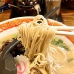 たつ屋 - 博多ラーメン 細麺 カタメ
