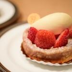 ピエール・エルメ・パリ - 料理写真: