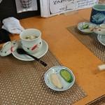 81108362 - まずは茶碗蒸しと漬物から