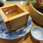 海鮮処 函館山 - サービスの升酒
