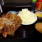 81110608 - 豚丼セット『松(300g)』味噌汁、おつまみ…
