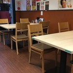 せい家 - (内観)テーブル席