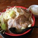 辻商店 - 特大にぼとんラーメン(麺300g) 900円 + ライス(ランチ無料)