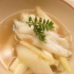 神楽坂ささ木 - 宍道湖産白魚の煮物 ウド ハマボウフウ ウルイ 木の芽