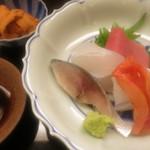 神楽坂ささ木 - 和歌山県産20kgのクエ 鮪中トロ 赤貝 〆鯖