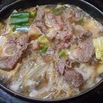 柿島屋 - 肉鍋はグツグツし出したら肉をひっくり返します