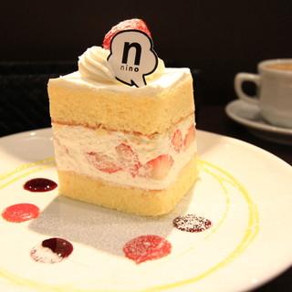 nino - 料理写真:苺のショートケーキ