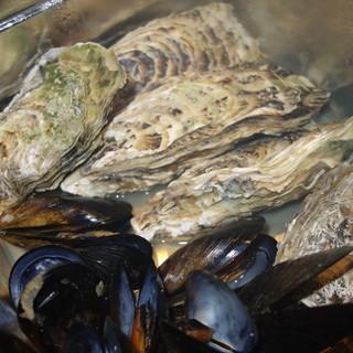 豪快!!牡蠣とムール貝のガンガン焼き